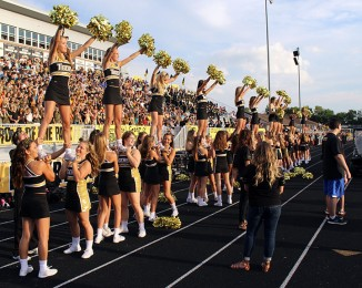 Tigerettes+Take+the+Track%3A+Drill+team+sharing+track+with+cheerleaders+at+football+games+sparks+controversy