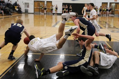 Photo+Gallery%3A+Varsity+basketball+team+beat+St.+Thomas+Aquinas+48-40+on+Tuesday%2C+Jan.+7