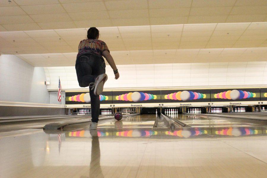 Girls+bowling+team+anticipates+successful+season