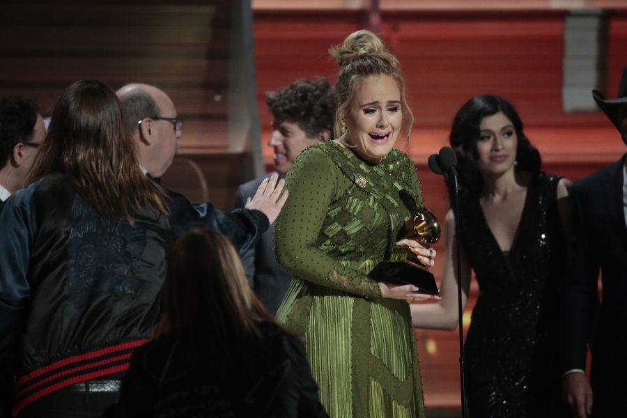Adele+on+stage+after+winning+Album+of+the+Year+for+%27%2725%27%27+during+the+59th+Annual+Grammy+Awards+at+Staples+Center+in+Los+Angeles+on+Sunday%2C+Feb.+12%2C+2017.+%28Robert+Gauthier%2FLos+Angeles+Times%2FTNS%29